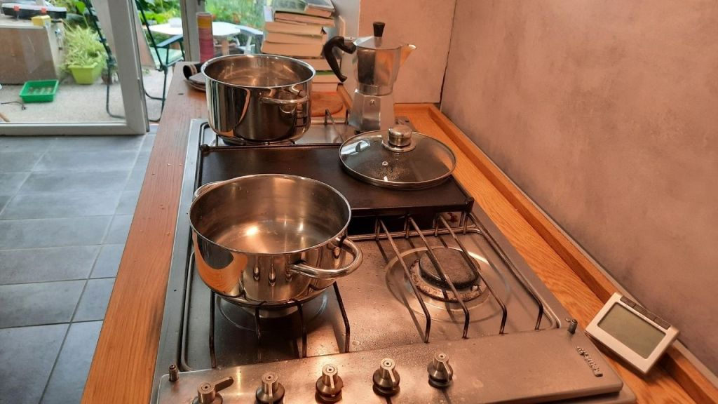 pots and timer for boiling and blanching