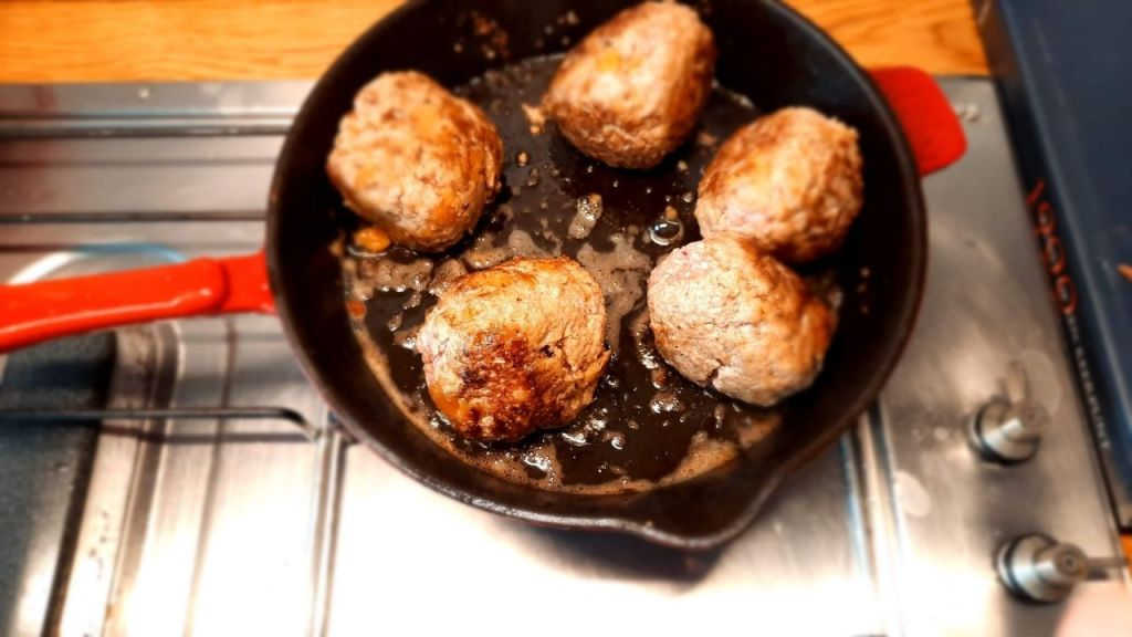 meatballs baking in icron cast skillet